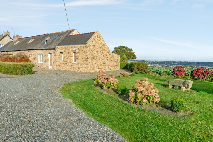 House with 2 bedrooms in Paimpol, with wonderful sea view, furnished garden and WiFi