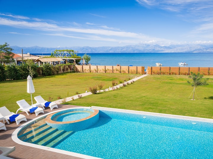 Luxury Villa Hera - Beachfront