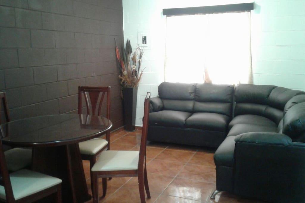 este es el espacio de sala y comedor.