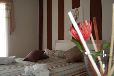 Carrubbellaetnamare Apartments