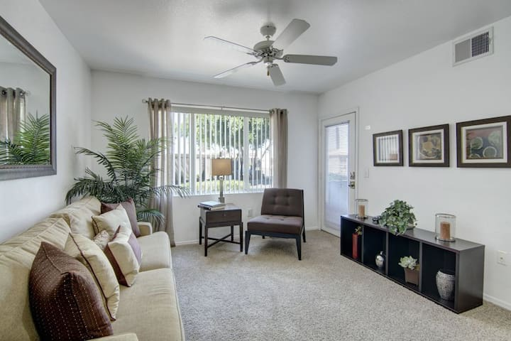 Homey place just for you   2BR in Phoenix