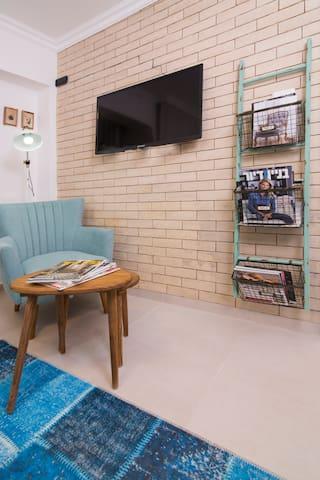 New And Beautiful Patio Studio Apartment