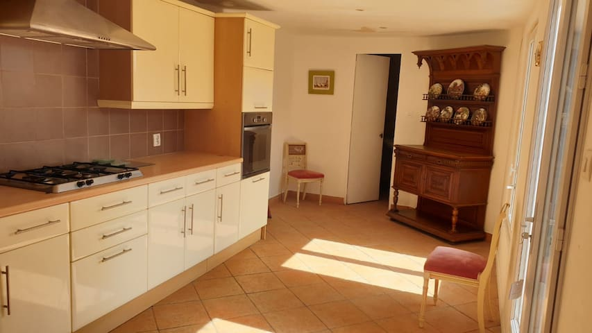*BUMBLE LODGE* A Spacious Family Townhouse