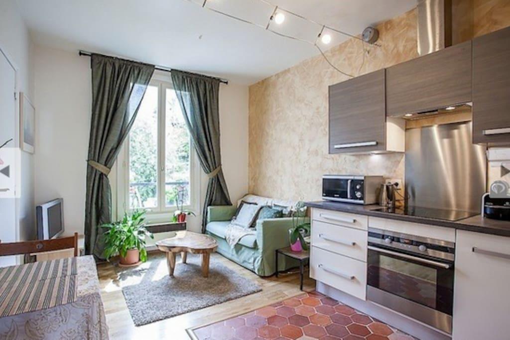 Ancien atelier d 39 artiste montmartre appartements louer paris le d - Atelier d artiste a louer ...