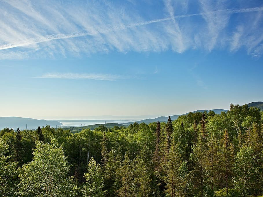 Panoramic views of the St. Lawrence River and Isle-aux-Coudres