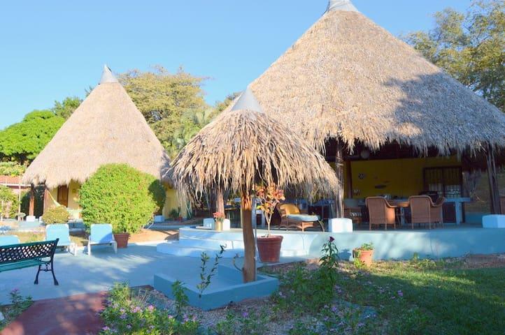 LugarBonita  price $95 per unit/nig - Tamarindo - Villa