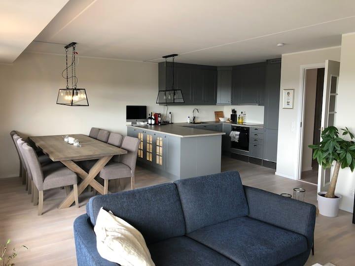 Moderne leilighet på 80 kvm med solfylt balkong