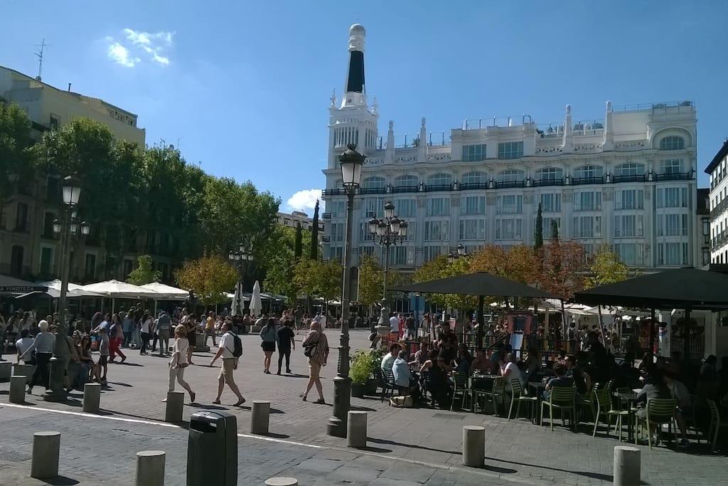 Plaza santa ana close to puerta del sol apartments for for Cc puerta del sol