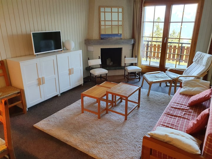 """Cosy and comfy apartment next to """"Piste de l'Ours"""""""