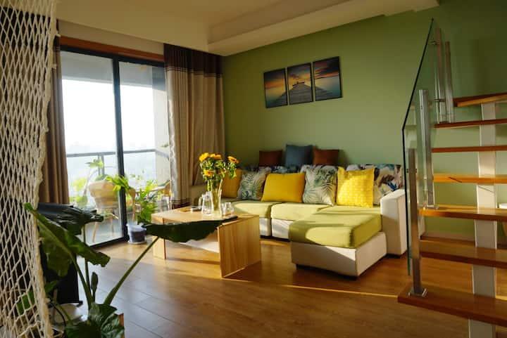 银滩海景LOFT复式两房两厅两卫三阳台套房20楼-芋见.摩卡民宿