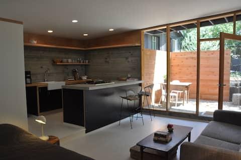 Cozy Modern Guest House Echo Park