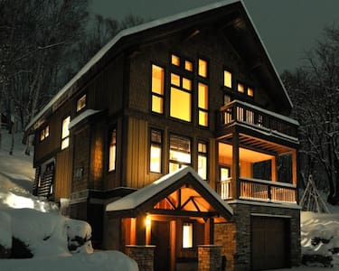 Secluded Luxury Ski & Golf Chalet