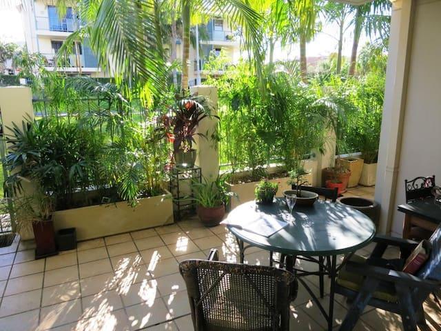 Retreat in park + pool, gym & sauna - Balmain - Apartamento