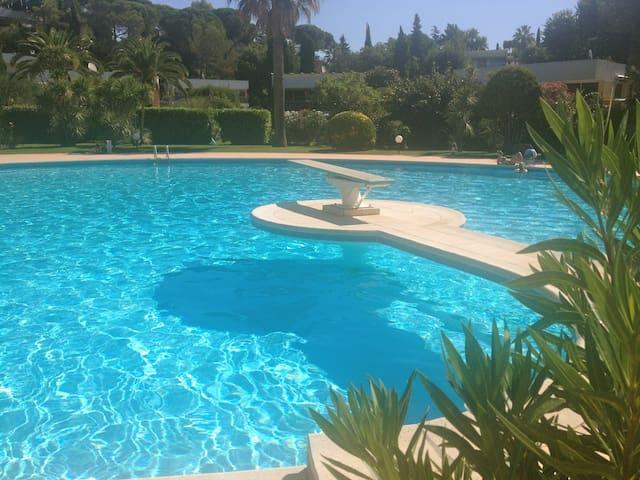 Luxury villa - Pool & tennis - Biot - Villa