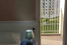 SMDC 1bdrm w/ balcony15mins airport & next2SM mall