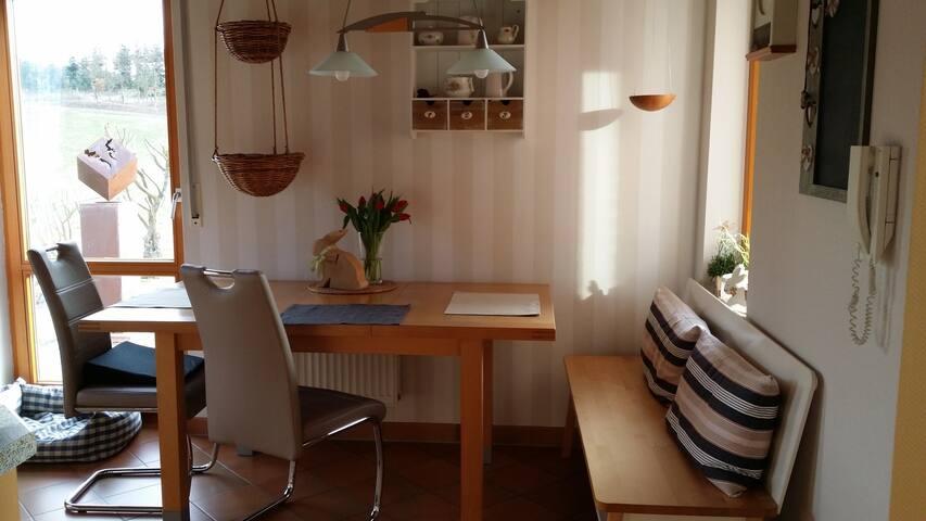 Gemütliches Privatzimmer, Baar, Nähe  Nürburgring - Baar - Casa
