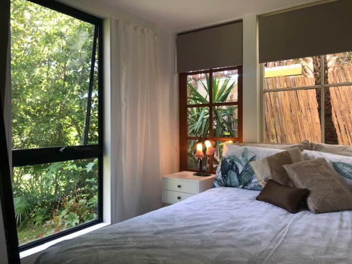 Secret Garden Studio. Sleeps 2-3