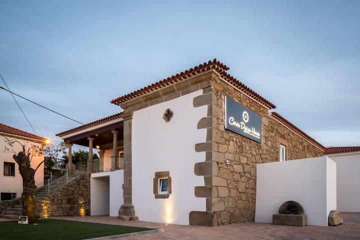 Cerca Design House -Superior Natura - Chãos  - Villa