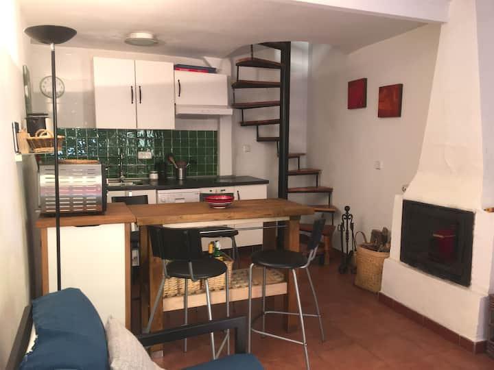 Casa con mucho encanto en centro de Piedralaves