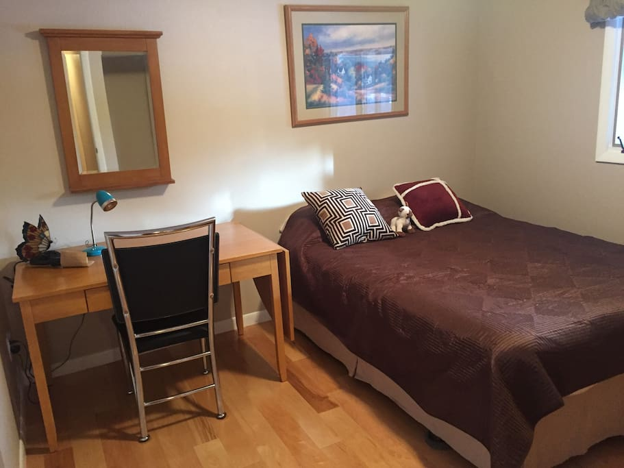 1 bedroom with queen bed