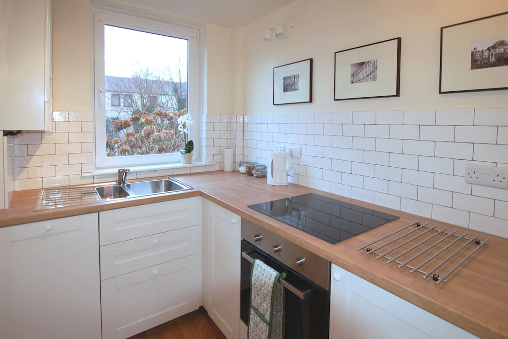 Well equipped, modern kitchen