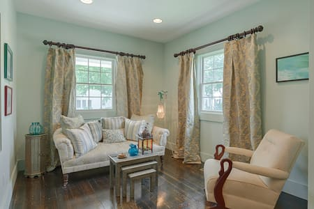 Writers Retreat Suite in Historic Luxurious Church - Easton - House
