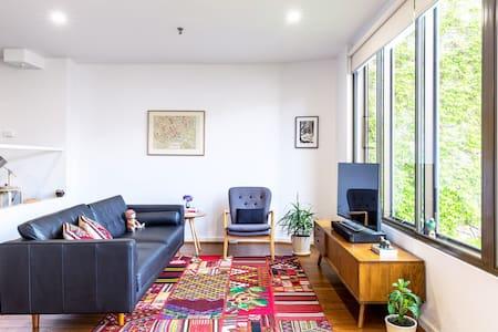 Comfortable Studio Apartment near Parliament House