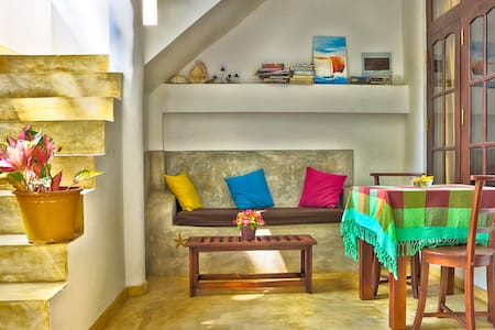 Sleepy Head Guesthouse 1 - Unawatuna - Bed & Breakfast