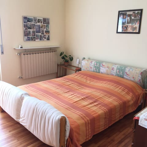 Light flat near Malpensa Airport and F.s. train. - Gallarate - Leilighet