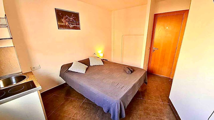 1 Suite con Entrada y Cocina privada,nuevo A/C 212