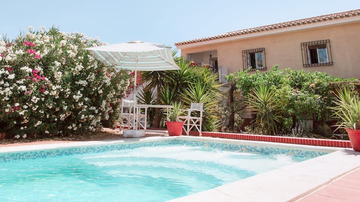 Beautiful 13 bed villa, private pool, large garden