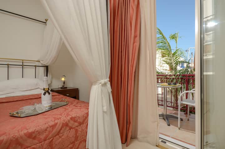 Honeymoon Suite in Naxos Town