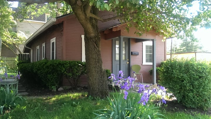 Broad Ripple Cottage Steps from Monon and Canal!