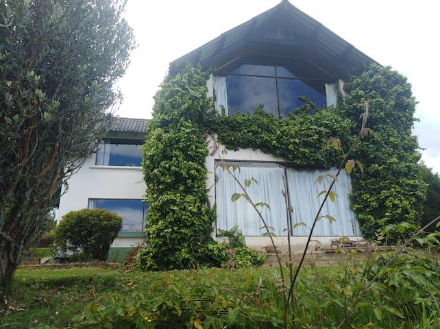 Habitación en casa de campo Los Trialgulos, Sopó