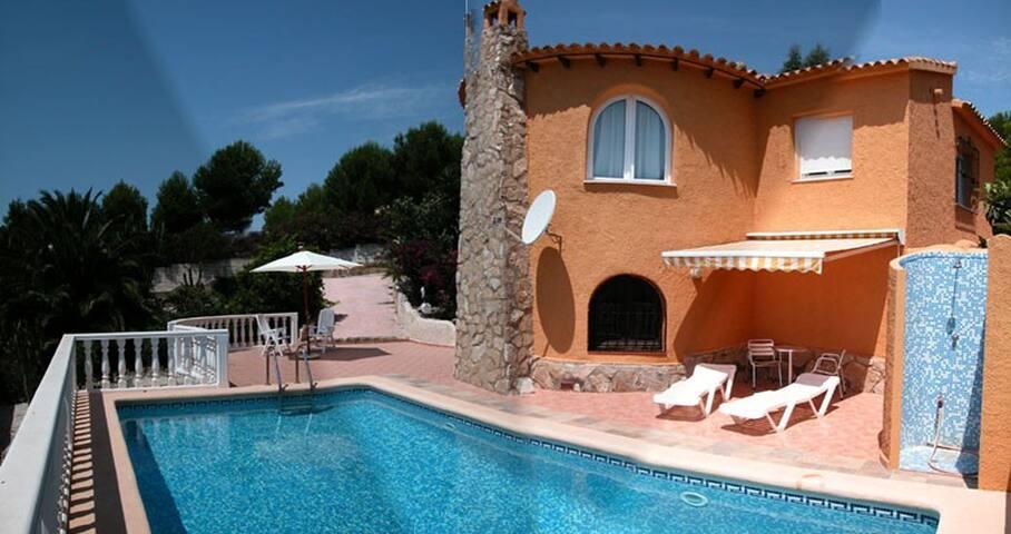 Villa, piscina y jardin. Vistas Mar - Benitachell