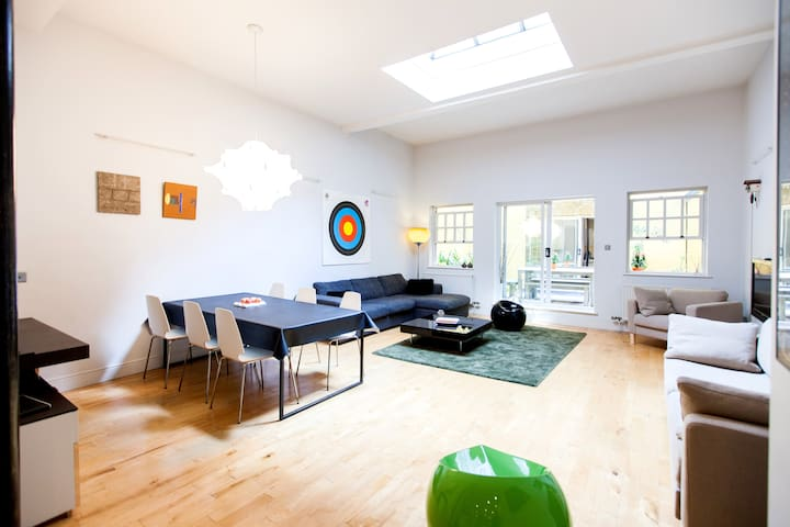 Central London designer apartment