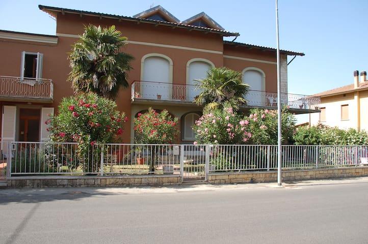 Home nearby Montepulciano 100mq 7ps - Abbadia - House