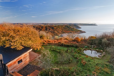 Remote eco-retreat overlooking stunning Pwlldu Bay