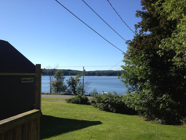 3BR home on Lake Winnisquam - Tilton - House