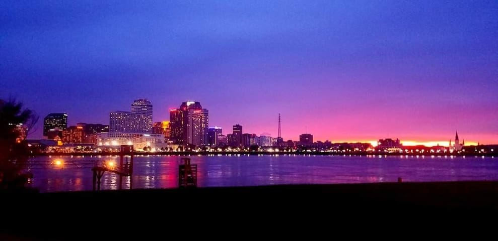 Best view of the city skyline & Mississippi River