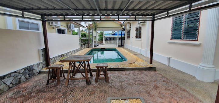 Kosin Pool Haus Pattaya 3 Bedrooms-2 Bathrooms