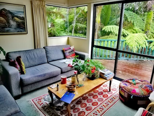 Tree house with views of the Manukau harbour.