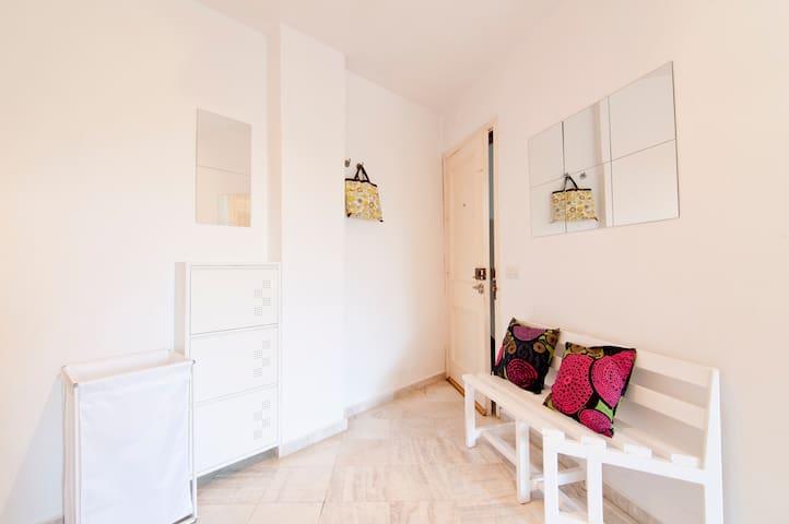 Estudio pequeño, cerca del centro y la naturaleza - Malaga - Appartamento