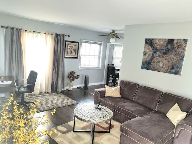 TWO BEDROOM UNIT WESTCHESTER, Minutes from LAX