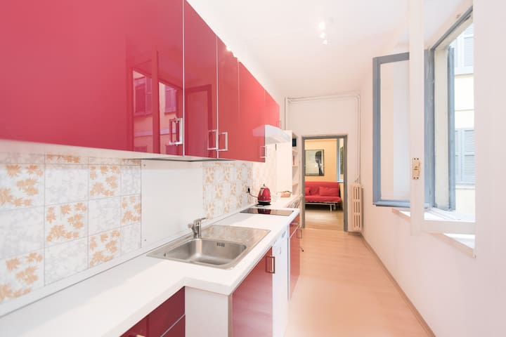 Cozy apt. in San Babila/Duomo area - Milaan - Appartement