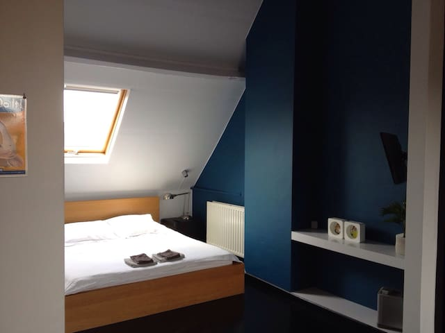 Cosy top floor room in Ghent - Ghent - Rumah