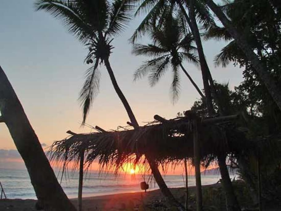 Sunset on Carate Beach at Lookout Inn.