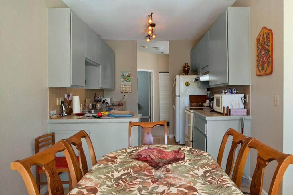 2 Bedroom 2 Bath Lake Merritt Apt Apartments For Rent In Oakland California United States