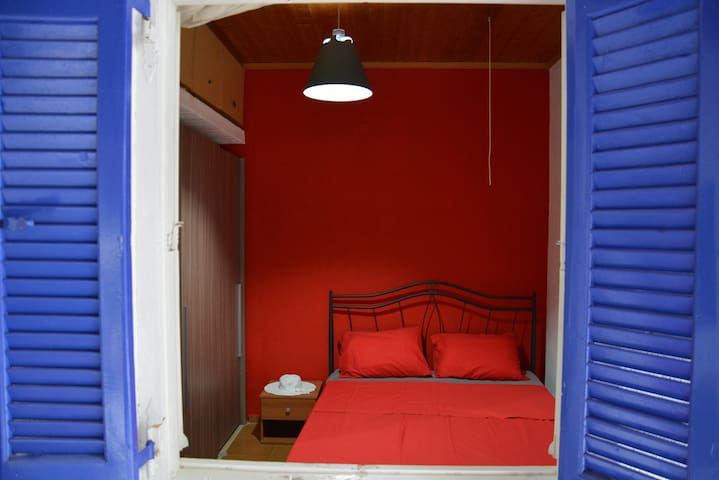 The Frogs House. Exclusivity & Relaxation +WiFi :) - Agios Nikolaos - Casa