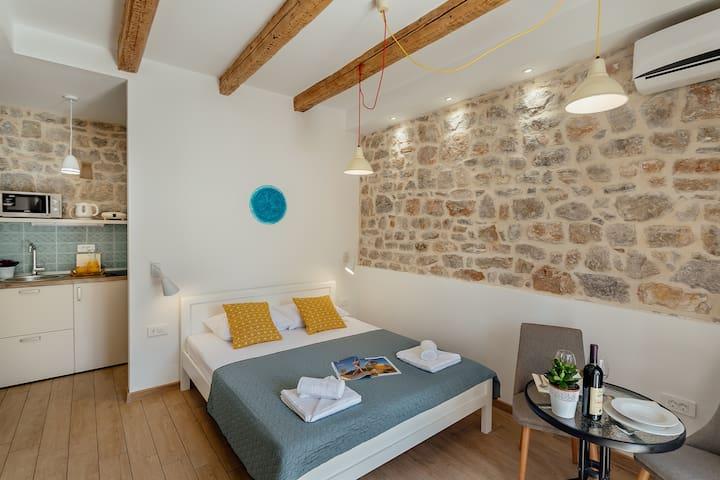 Conborgo Apartments 01